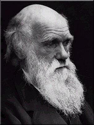 Κάρολος Δαρβίνος: στο κλασικό του έργο «Περί της καταγωγής των ειδών», εισάγει την ιδέα της «φυσικής επιλογής». Σύμφωνα με την ιδέα αυτή η επιβίωση ενός οργανισμού στηρίζεται στην τυχαία & απρόβλεπτη ανταπόκριση του οργανισμού στο φυσικό του περιβάλλον. Ο άνθρωπος κατάγεται από τα πρωτεύοντα θηλαστικά και αποτελεί προϊόν τυχαίων μεταλλαγών. Η ενδεχομενική ύπαρξή του καταδεικνύει ότι θα μπορούσε να μην είχε υπάρξει, όπως και ότι μπορεί μελλοντικά να εξαφανιστεί. Η θεωρία του Δαρβίνου, επέφερε το δεύτερο αποφασιστικό πλήγμα στη θεολογία, σε ζητήματα δομής & λειτουργίας του φυσικού σύμπαντος, μετά απ' το 1ο  λόγω του έργου Κοπέρνικου – Γαλιλαίου. Συνάμα, επικυρώθηκε από πληθώρα δεδομένων & ευρημάτων. Ολοκλήρωσε την Επιστημονική Επανάσταση συνδυάζοντας νευτώνεια μεθοδολογία με πεποίθηση για το ρόλο της τύχης στην εξέλιξη.