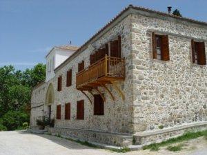 ''Μονή Αγίου Χαραλάμπους Λευκών'', Αυλωνάριου Εύβοιας. Η μονή ιδρύθηκε γύρω στον 10ο αιώνα.Το αρχικό όνομα της ήταν ''Εισόδια της Θεοτόκου'' Οι φωτογραφίες και οι ιστορικές πληροφορίες είναι από την σελίδα AVLONARI, such a lovely place